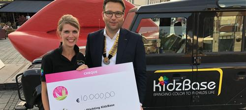 EUR 10.000 voor KidzBase - Ronde Tafel Roermond